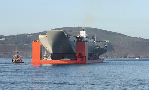 Operación de carga del ALHD Adelaide