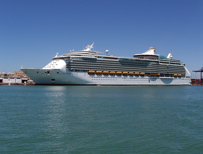 6.791px-navigator_of_the_seas,_puerto_de_la_bahãa_de_cã¡diz.jpg