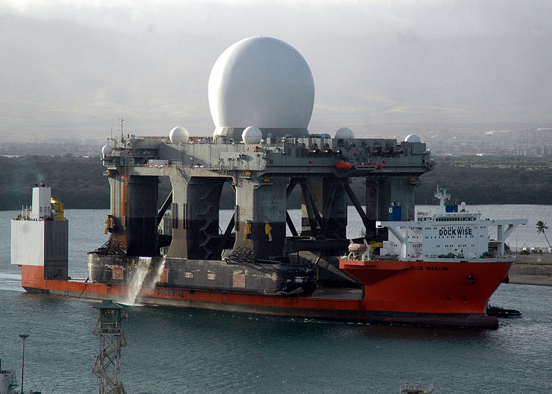 800px-blue_marlin_transporting_sea-based_x-band_radar.jpg