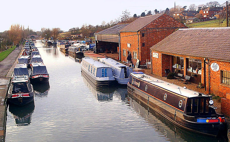 800px-grand_union_canal_at_braunston.jpg