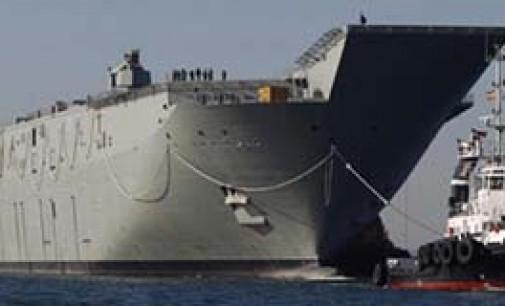 El LHD Adelaide abandona Navantia Ferrol