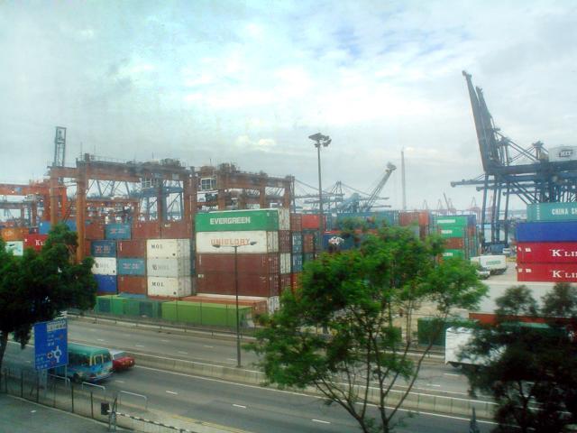 hongkongportfrommtr.jpg