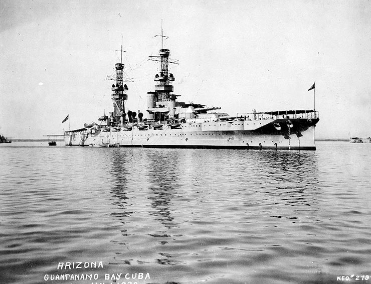 uss_arizona_(bb-39)_-_1920.jpg