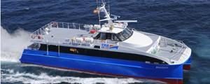 Armón entrega dos ferries a Angola