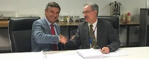 Navantia firma contrato de mantenimiento para los LHD australianos