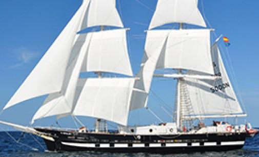 Gondán entrega el buque insignia a la Marine Society & Sea Cadets