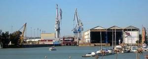 ¿Desguaces de buques en el puerto de Sevilla?