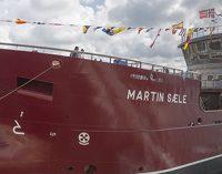 Gondán bota un barco de transporte de peces vivos