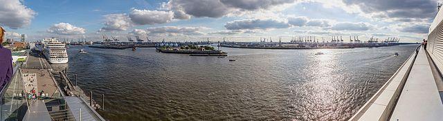640px-Hamburg_-_Hafen_Panorama