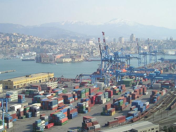 Panorama_di_Genova_(porto_commerciale_e_porto_antico)_web