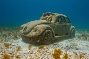 museos_submarinos_coche