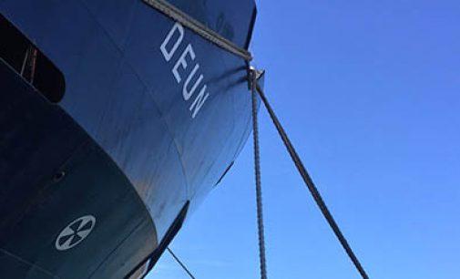 Entrega del mercante polivalente Deun