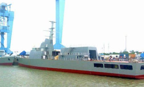Botadura de las dos nuevas patrulleras de la Armada India