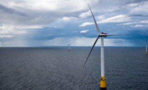 Hywind, el primer parque eólico flotante, entra en operación