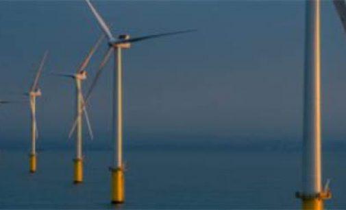 Primera energía generada por el parque eólico offshore Rampion