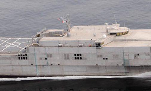 Bautizo del buque de guerra USNS Burlington