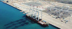 Las grúas más grandes del mundo llegan al puerto de Tánger