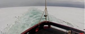 Vídeo: Polar Star rompiendo el hielo de la Antártida