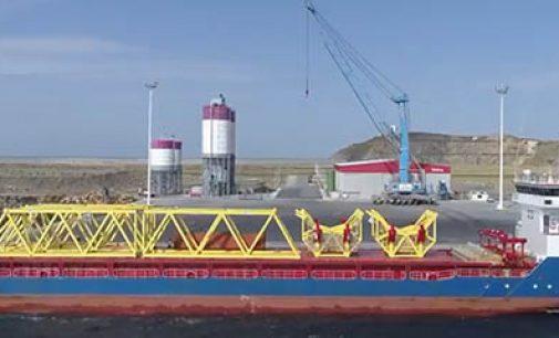 El primer aerogenerador offshore en España, cada vez más cerca