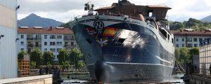 Balenciaga bota el Norwegian Gannet