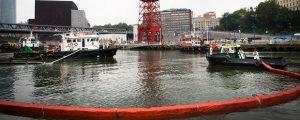 Simulacro contra la contaminación marina en el puerto de Bilbao