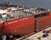 Reino Unido celebra la botadura su nuevo buque de investigación