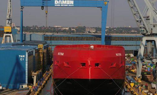 Flotadura del nuevo rompehielos australiano