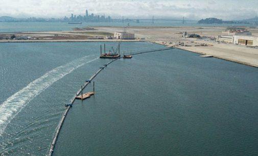 La gran barrera flotante para la recogida de plásticos de los océanos ya es una realidad