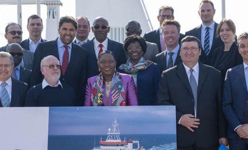 Baía Farta, buque de investigación pesquera de Angola