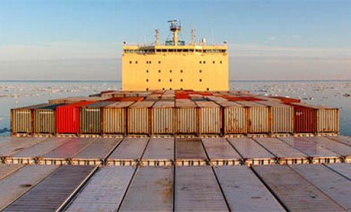 Maersk envía el primer portacontenedores por la ruta ártica