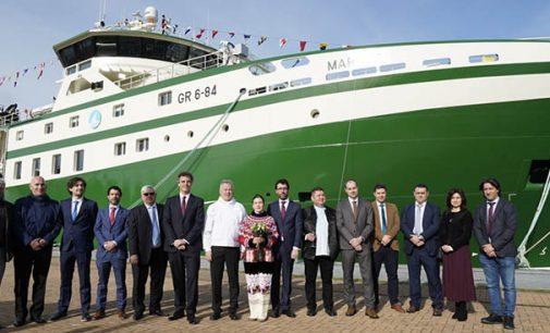 Freire celebra el amadrinamiento del buque arrastrero Markus