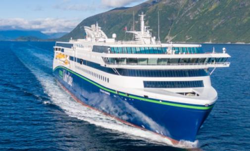 Se hace entrega del Color Hybrid, el mayor buque híbrido hasta la fecha