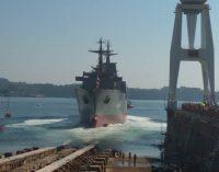 Navantia bota el segundo buque logístico para la Marina australiana