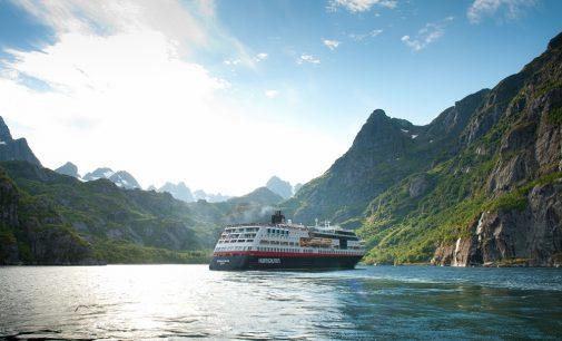 Tres nuevos buques híbridos se suman a la flota de expedición de Hurtigruten