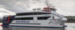 El catamarán de fibra más grande y rápido construido en España