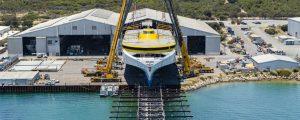Unión de la superestructura y del casco del trimarán Bajamar Express de Fred. Olsen Express