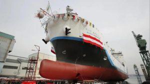 Kawasaki Heavy Industries bota el primer carguero de hidrógeno licuado del mundo