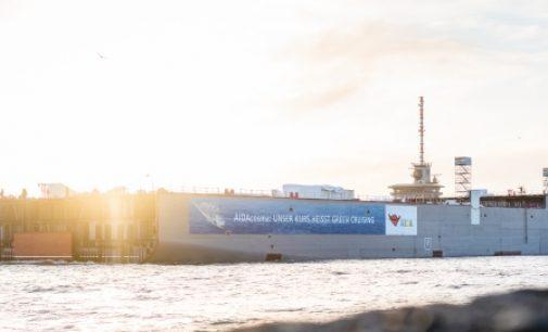 El bloque de cámara de máquinas del AIDAcosma zarpa a Papenburg