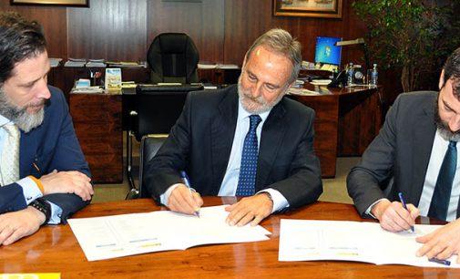 Puertos del Estado y Marina Mercante firman un convenio para gestionar las emergencias en aguas portuarias