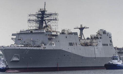 Flotadura del buque de asalto anfibio Fort Lauderdale