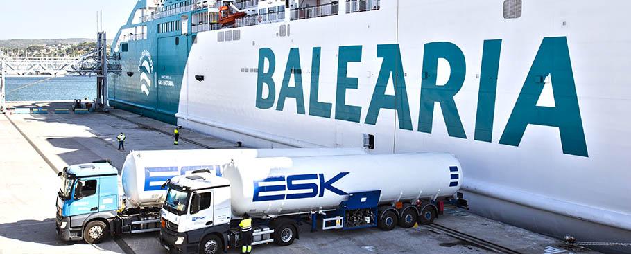 bunkering_ferry_Bahama_Mama_Denia