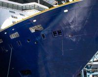 El crucero Spirit of Adventure abandona la grada de construcción