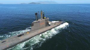 El submarino Riachuelo de la Armada Brasileña completa sus pruebas de superficie y propulsión