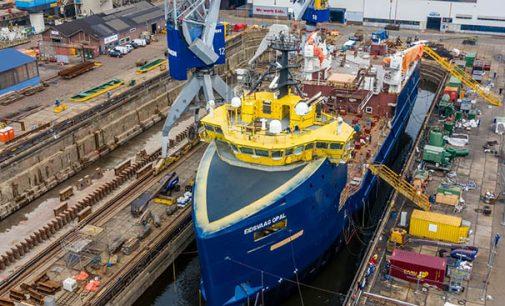 Así es la conversión de un PSV en un buque para el transporte de alimento para peces