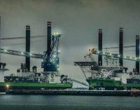 Primeros buques jack up se conectan a tierra en el puerto de Esbjerg
