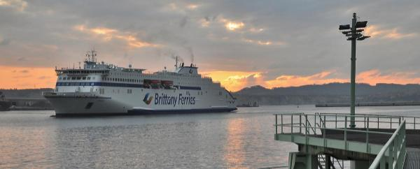 Ferry_puerto_Bilbao_GNL