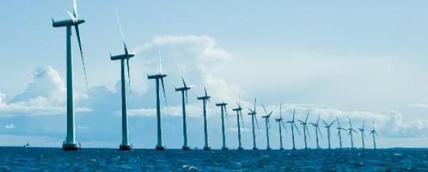 parque_eólico_offshore_turbinas