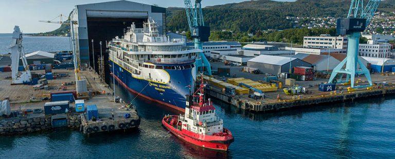 buque_de_crucero_de_expedicion_National_Geographic_Resolution