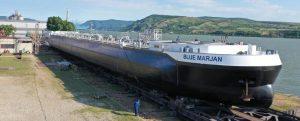 Botadura del primero de los 40 petroleros fluviales «Parsifal»
