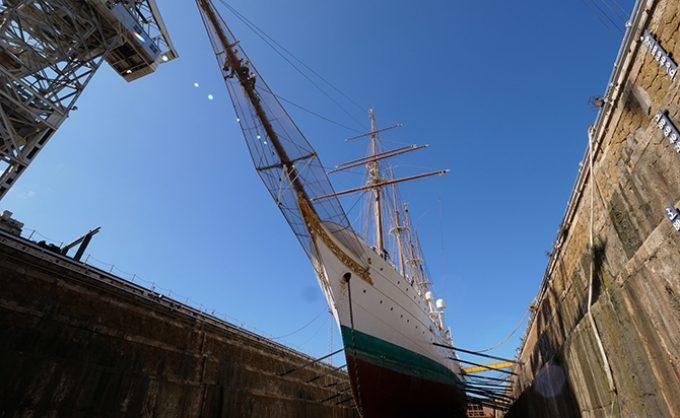 Varada del Juan Sebastián Elcano en el astillero de San Fernando